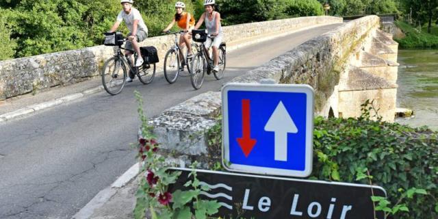 Véloroute, Saint-Jacques-Lavardin, Itinérance à vélo dans la région Centre, dep41, Comité Régional du Tourisme Centre-Val de Loire, France