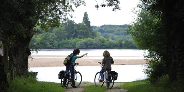 Reportage sur touristique sur Angers et sa région.Illustrations en bords de Loire à La Daguenière.Loire à vélo, Cyclistes en bords de Loire.© Jean-Sébastien Evrard